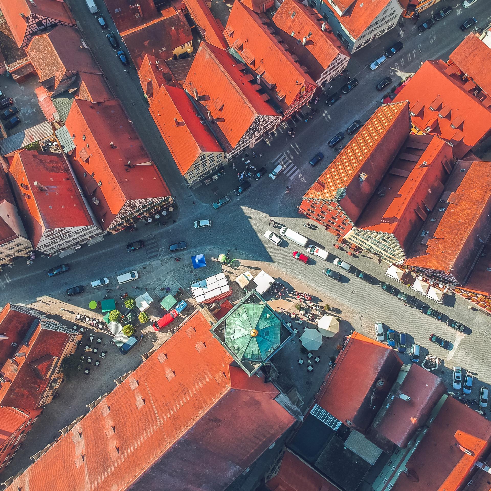Autos in Altstadt Vogelperspektive